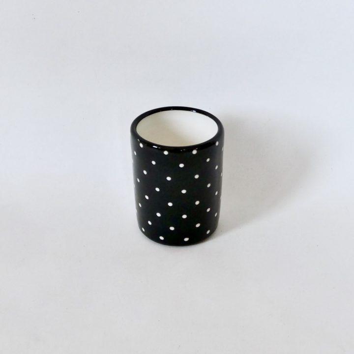 mug à pois noir artisanal